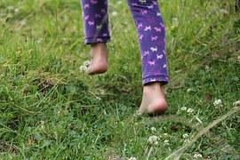 dětské nohy